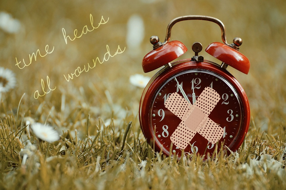 time-heals-all-wounds-1087105_960_720.jpg