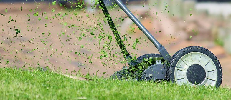lawn-mower-938555__340.jpg