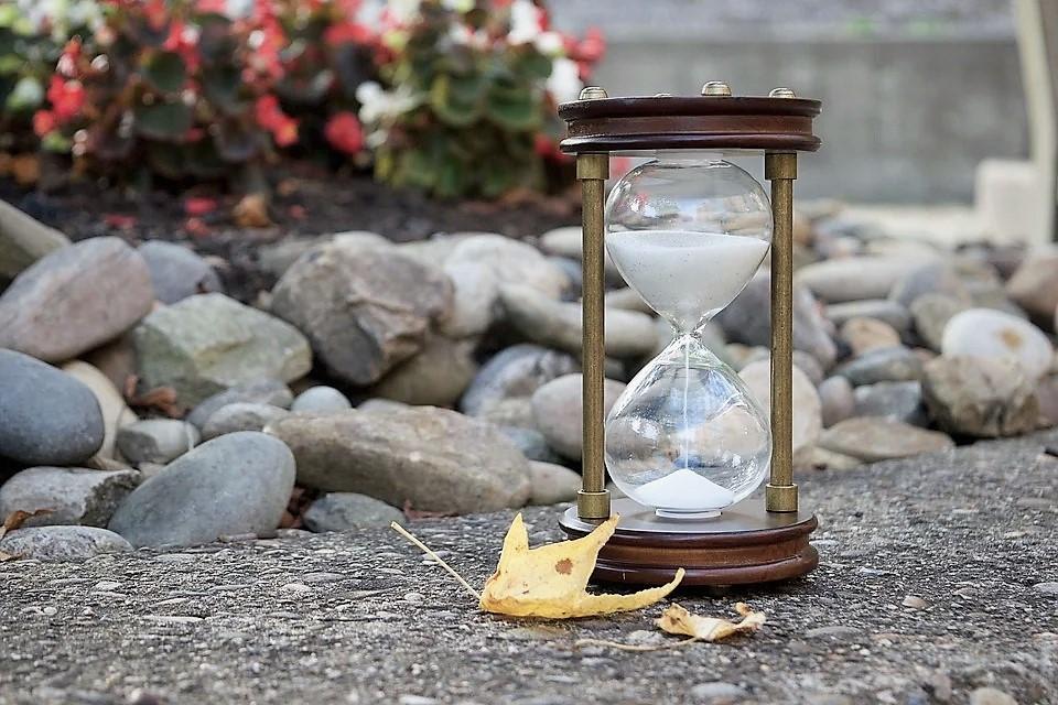 hourglass-2846641 (3).jpg